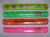 Reflected slap bracelets